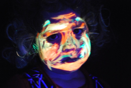 web glow2104 001